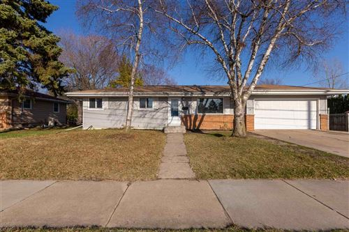 Photo of 126 S SAWYER Street, OSHKOSH, WI 54902 (MLS # 50237636)