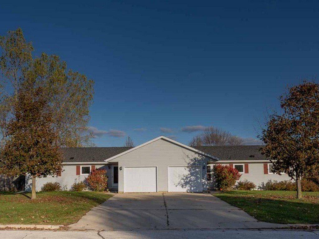 714-716 CAROL Lane, Pulaski, WI 54162 - MLS#: 50231651
