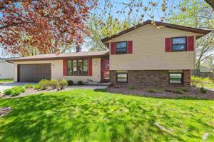 Photo of 808 FLORAL Drive, GREEN BAY, WI 54301 (MLS # 50206661)