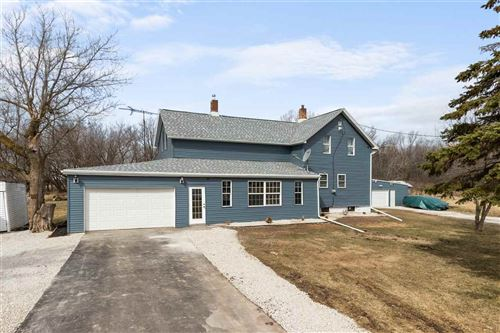 Photo of W1630 CONSERVATION Road, BRILLION, WI 54110 (MLS # 50237672)