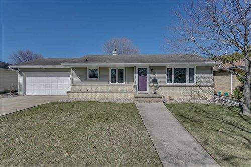 Photo of 328 S LINDA Street, KIMBERLY, WI 54136 (MLS # 50237674)