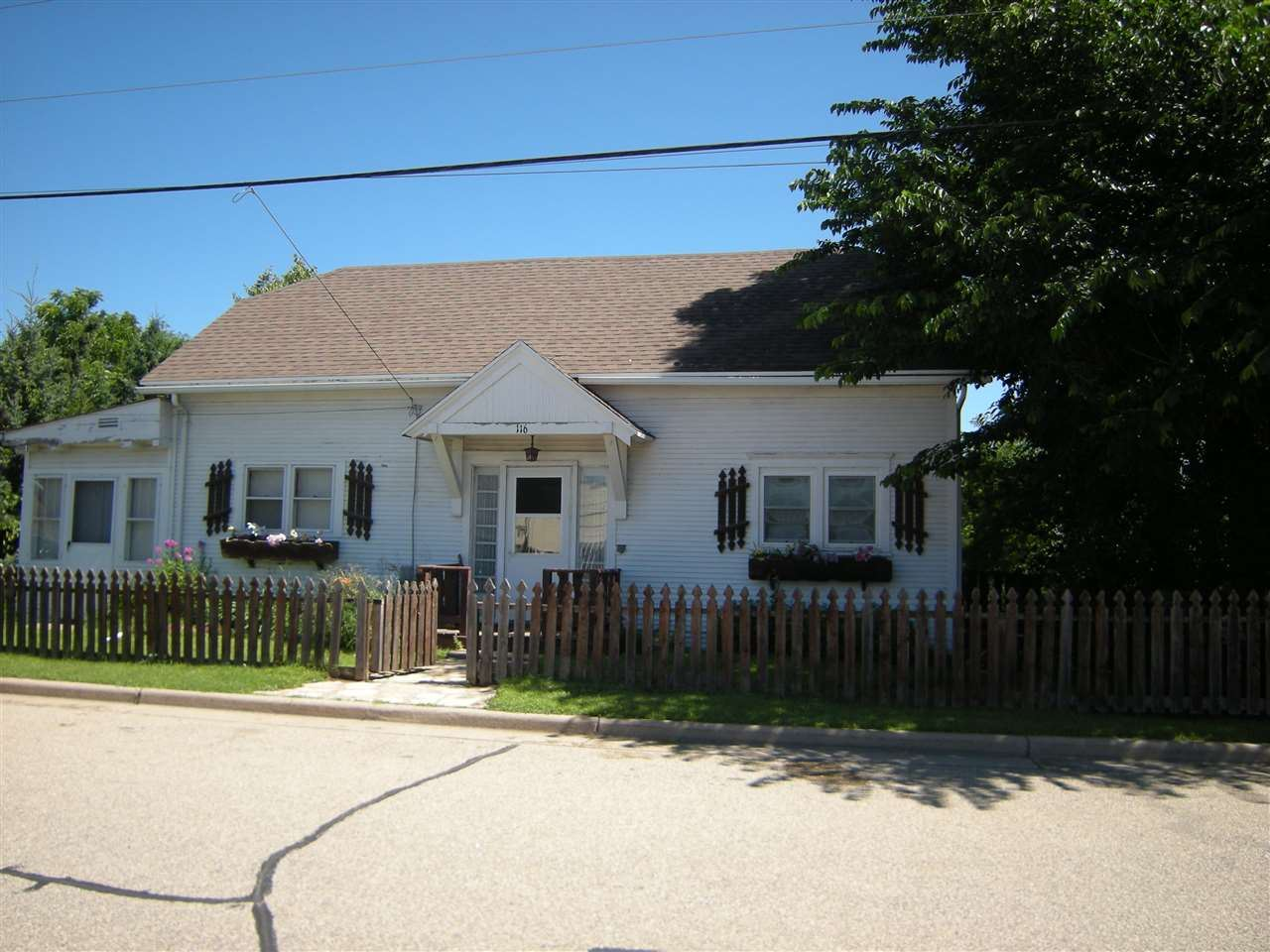 116 E PERRY Avenue, Marion, WI 54950 - MLS#: 50225689