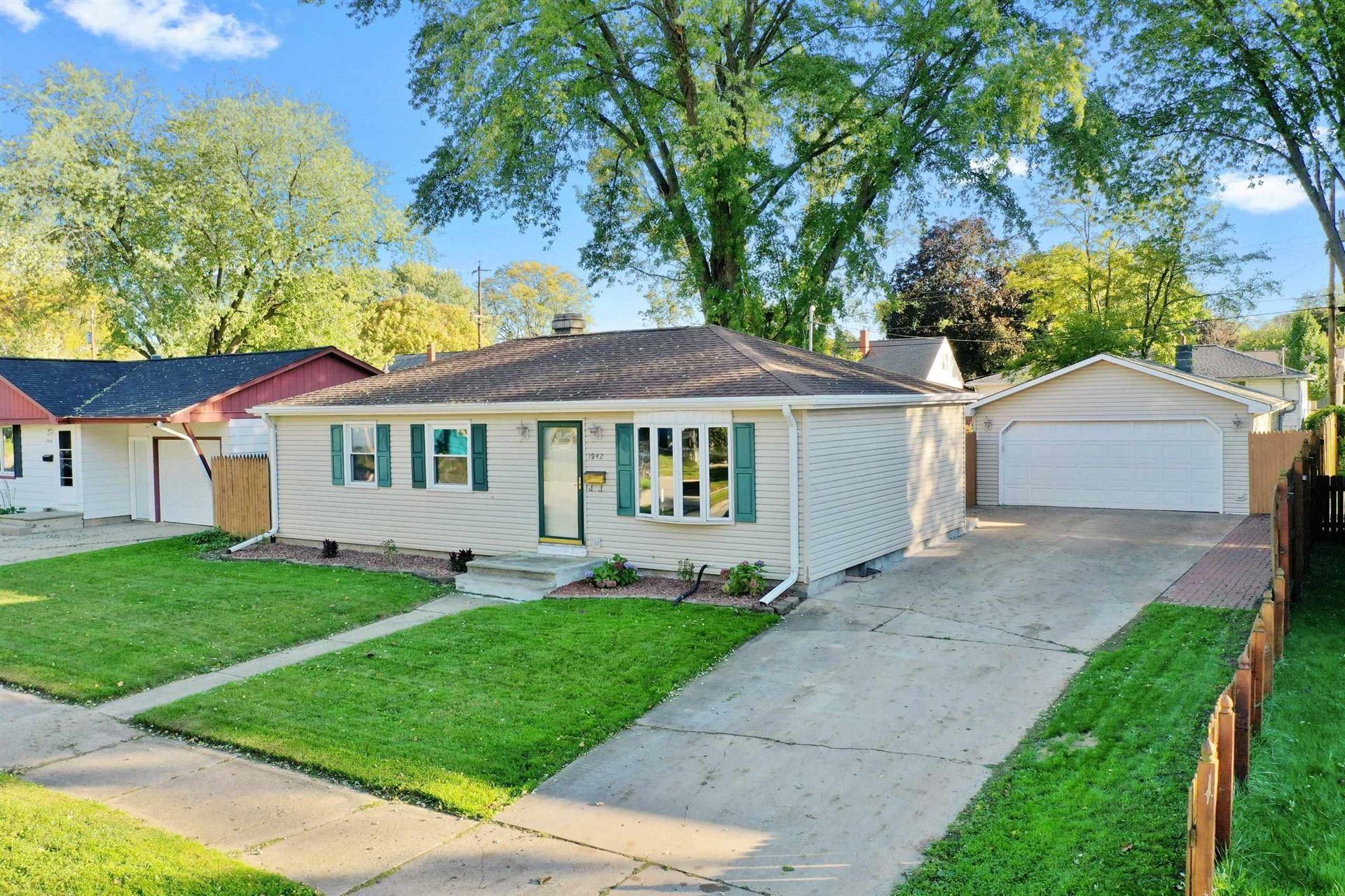 1942 HAROLD Street, Green Bay, WI 54302 - MLS#: 50249689