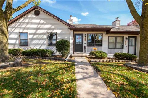 Photo of 986 TULLAR Road, NEENAH, WI 54956 (MLS # 50212691)