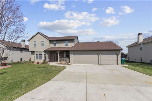 Photo of 2404 W ROSELAWN Drive, APPLETON, WI 54914 (MLS # 50237693)