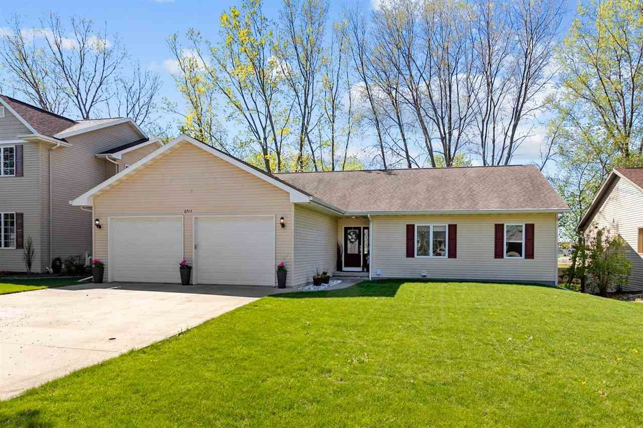 2745 W COMMONWEALTH Court, Appleton, WI 54914 - MLS#: 50239694