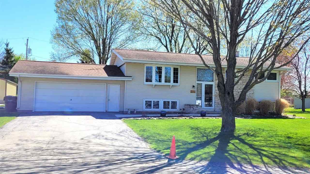 222 MACK Court, Brillion, WI 54110 - MLS#: 50237696