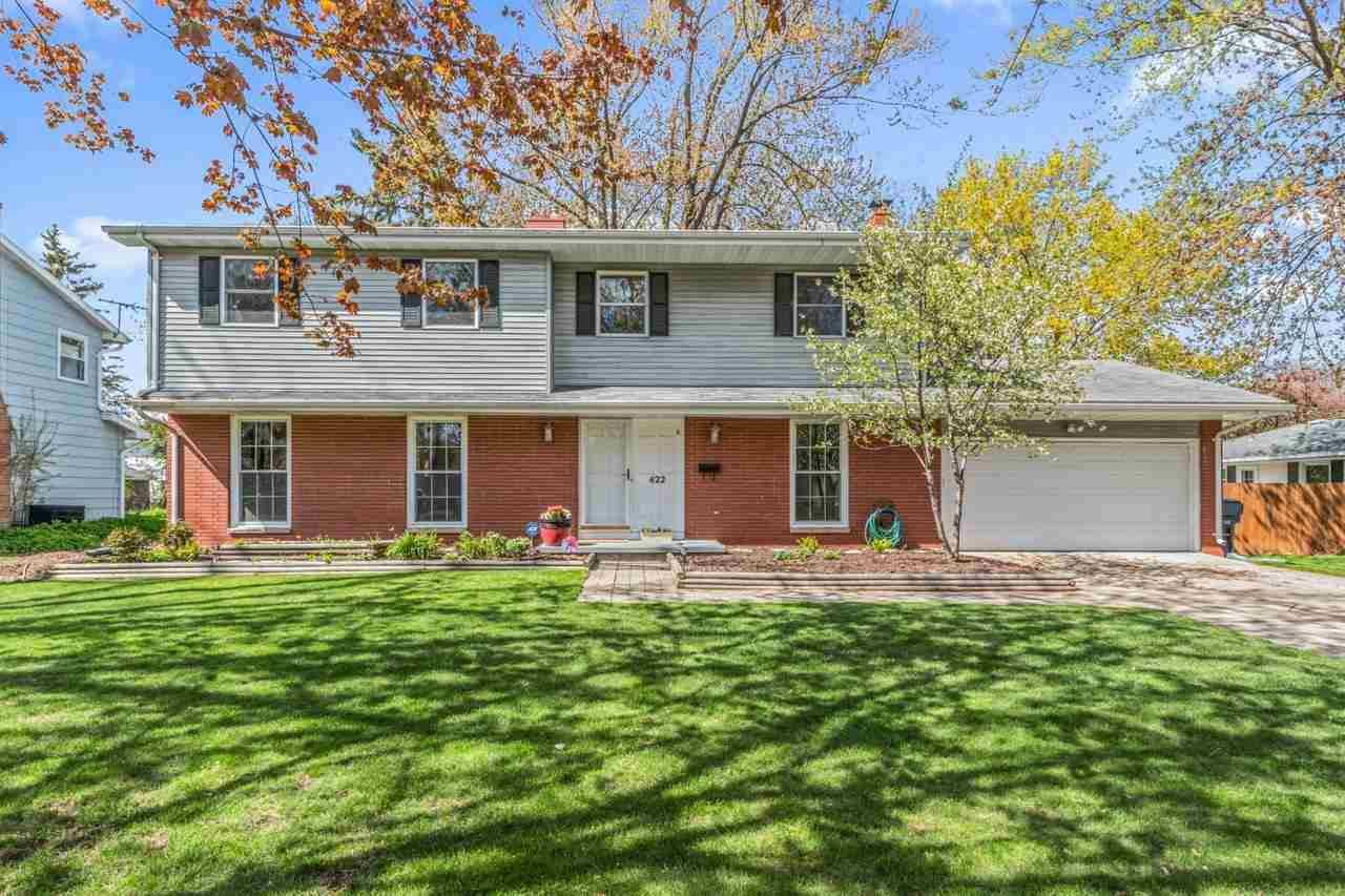 422 EDGEWOOD Drive, Neenah, WI 54956 - MLS#: 50239696