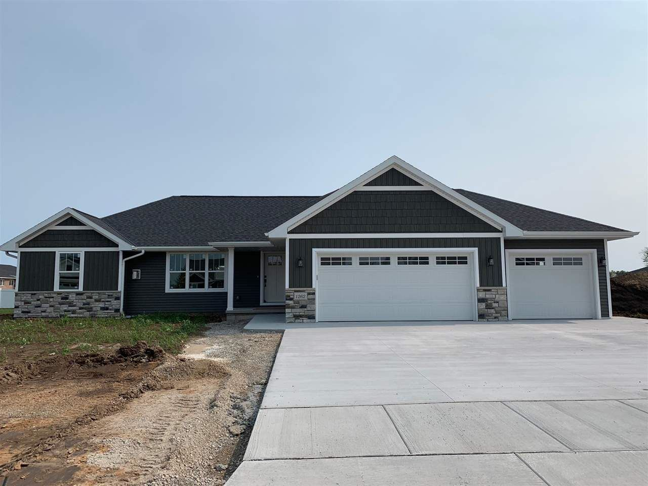 1262 MOUNTAIN BAY Drive, Pulaski, WI 54162 - MLS#: 50223704