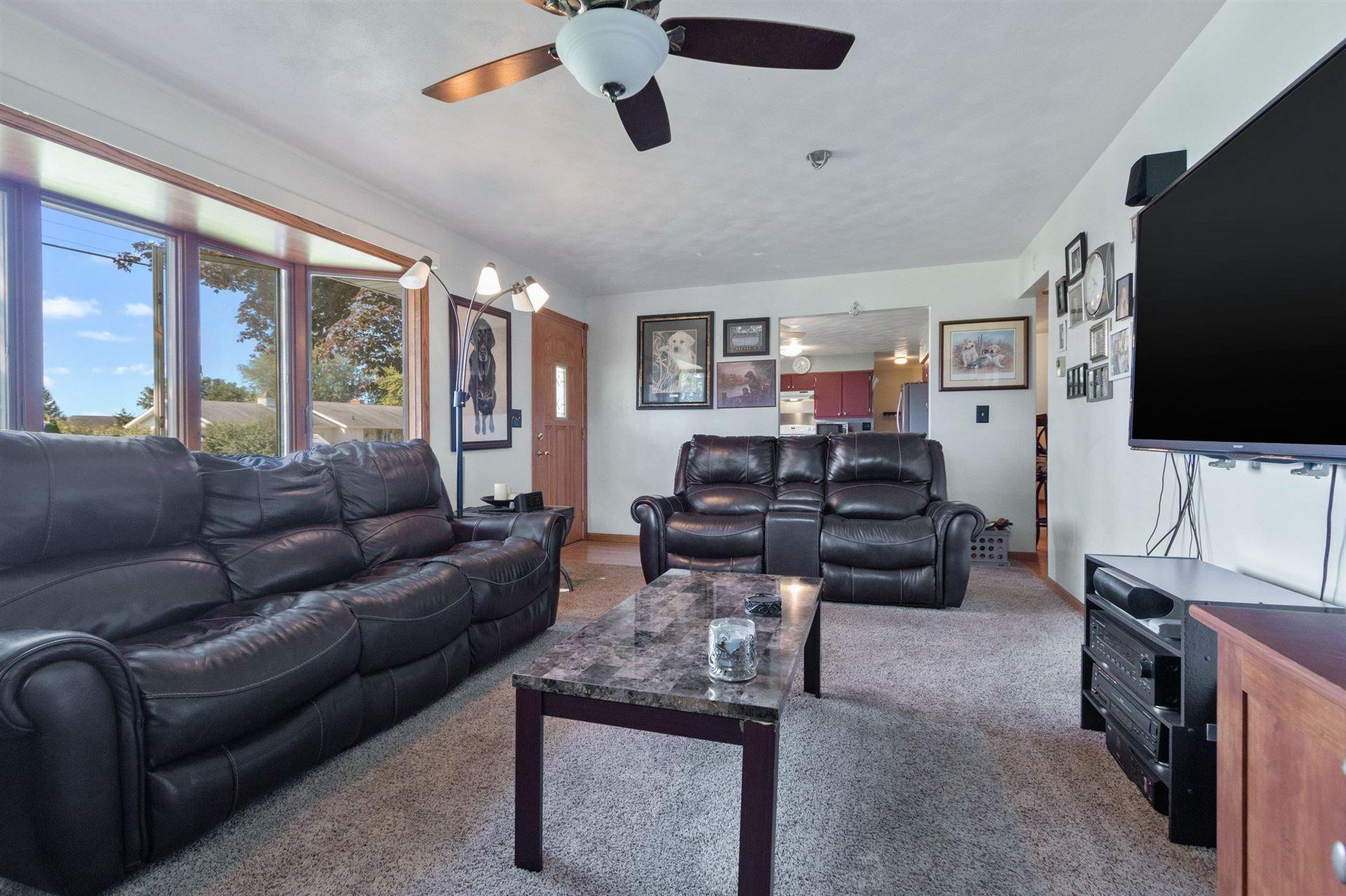 Photo of 5520 W SANDRA Drive, APPLETON, WI 54913 (MLS # 50247717)