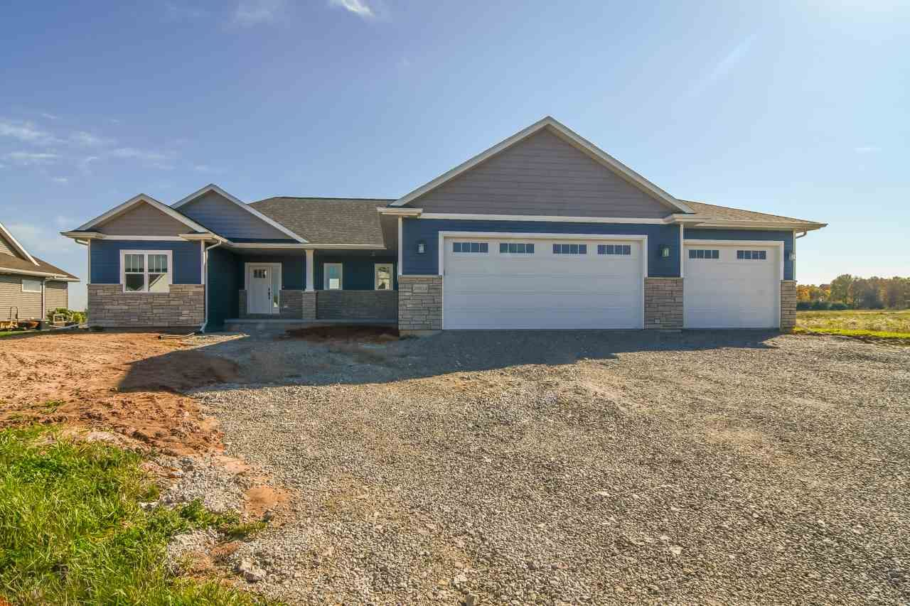 Photo for N9314 TOUCHDOWN Drive, APPLETON, WI 54915 (MLS # 50230737)
