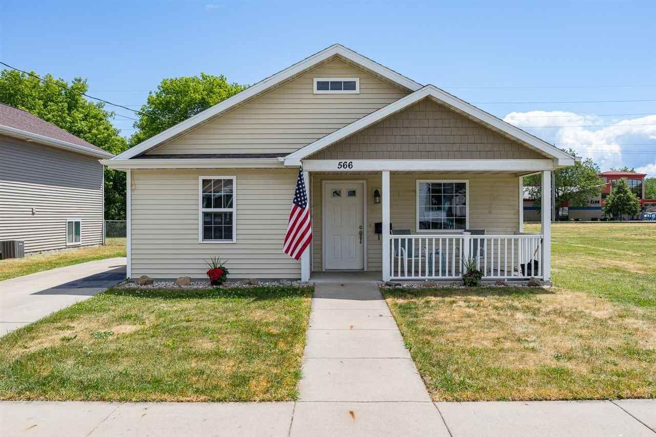 566 GRAND Street, Oshkosh, WI 54901 - MLS#: 50242745