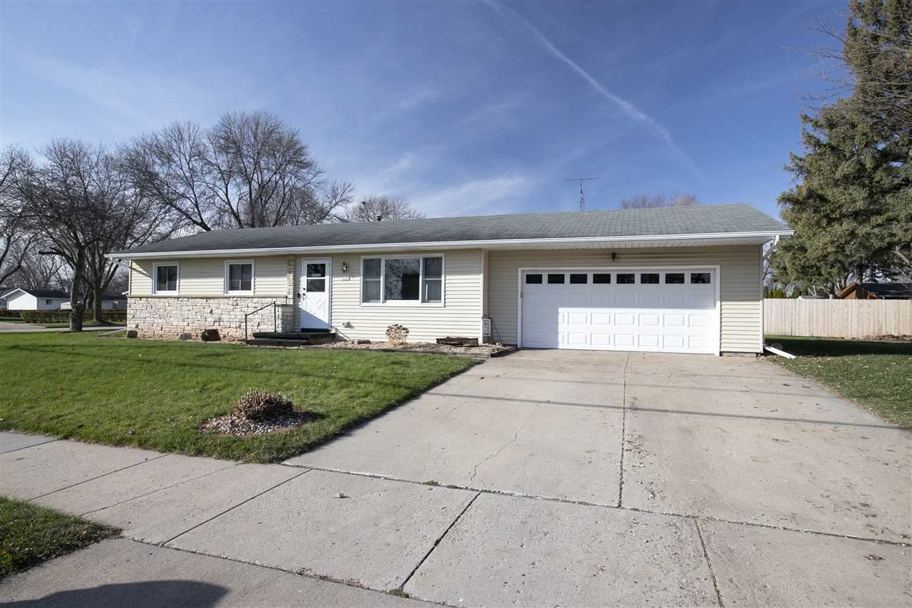 2007 WISCONSIN Street, Oshkosh, WI 54901 - MLS#: 50232746