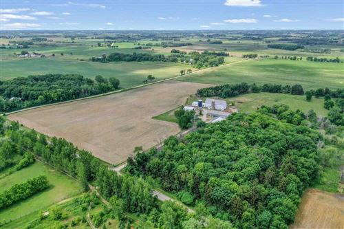 Photo of N9366 HICKORY Road, PICKETT, WI 54964 (MLS # 50243754)