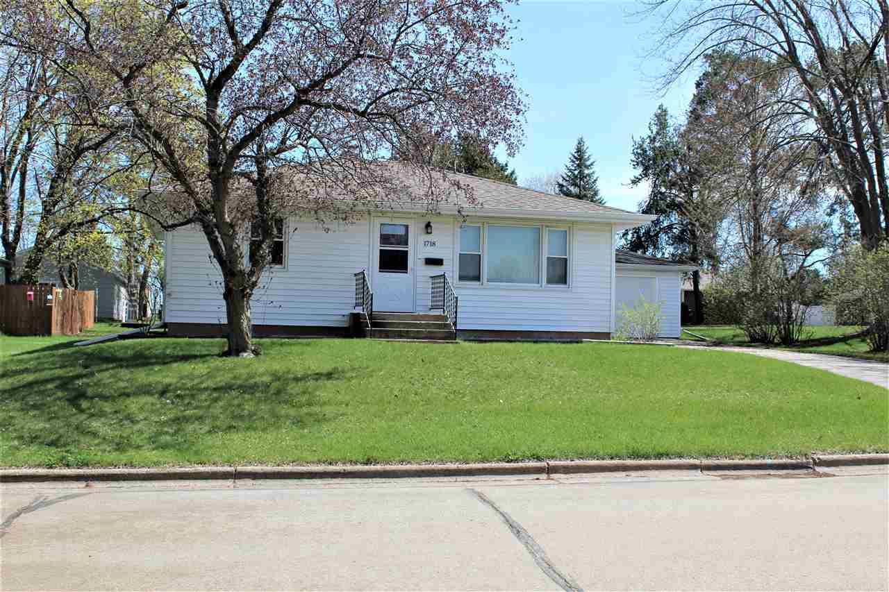 1718 SMITH Street, New London, WI 54961 - MLS#: 50238769