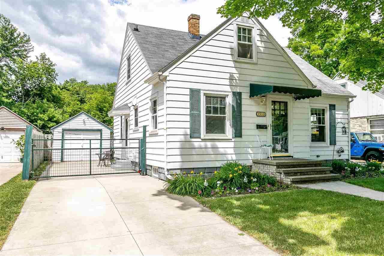 1913 N DIVISION Street, Appleton, WI 54911 - MLS#: 50242772