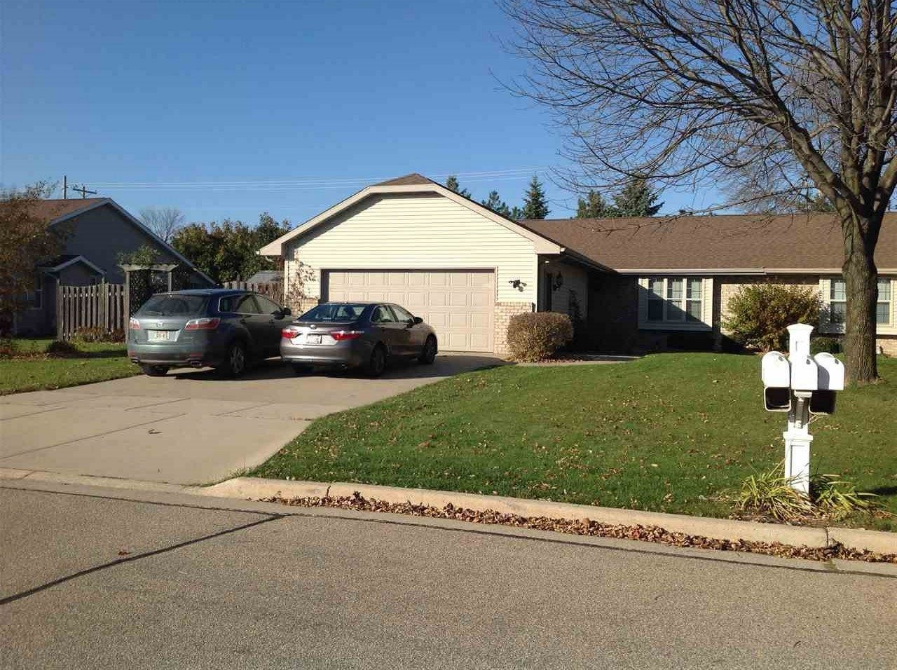 2320 SUGARBRIDGE Court, Menasha, WI 54952 - MLS#: 50231780