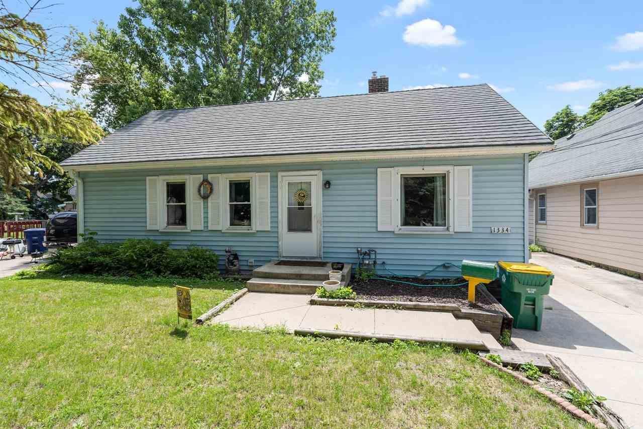 1334 ST CLAIR Street, Green Bay, WI 54301 - MLS#: 50243781