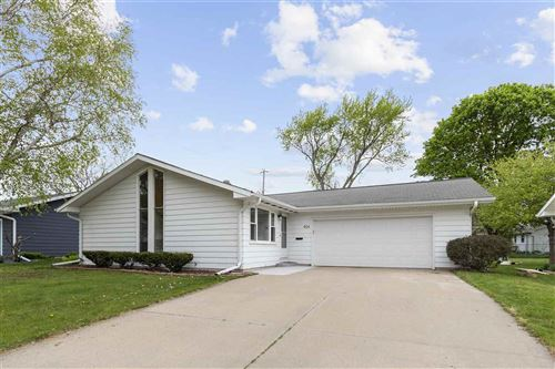 Photo of 904 W BROWNING Street, APPLETON, WI 54914 (MLS # 50222785)