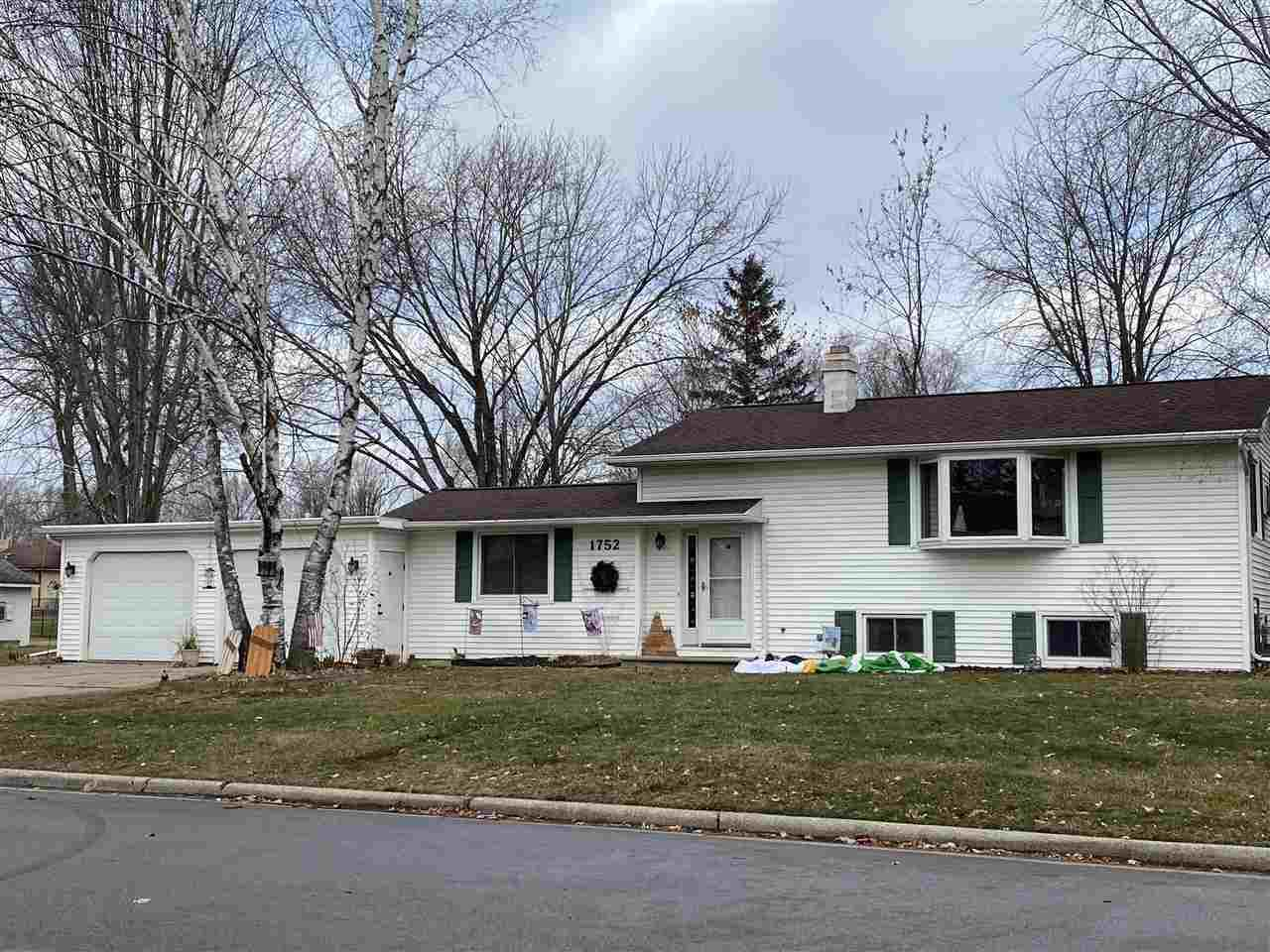 1752 VIEW Lane, Green Bay, WI 54313 - MLS#: 50233795
