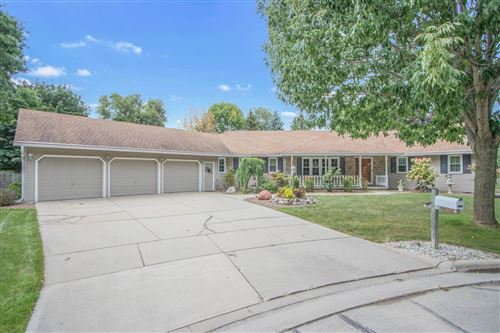 Photo of 3022 ANGELINE Court, GREEN BAY, WI 54313 (MLS # 50249809)