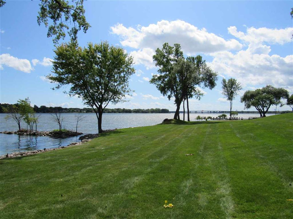 Photo for 2193 SUNRISE Drive #6-I, APPLETON, WI 54914 (MLS # 50209814)