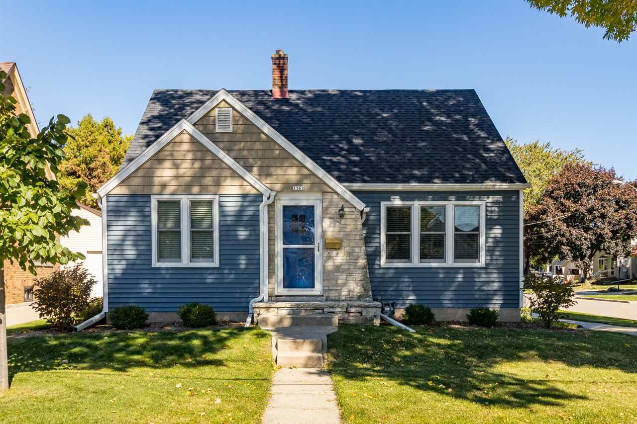1362 WAUGOO Avenue, Oshkosh, WI 54901 - MLS#: 50235840