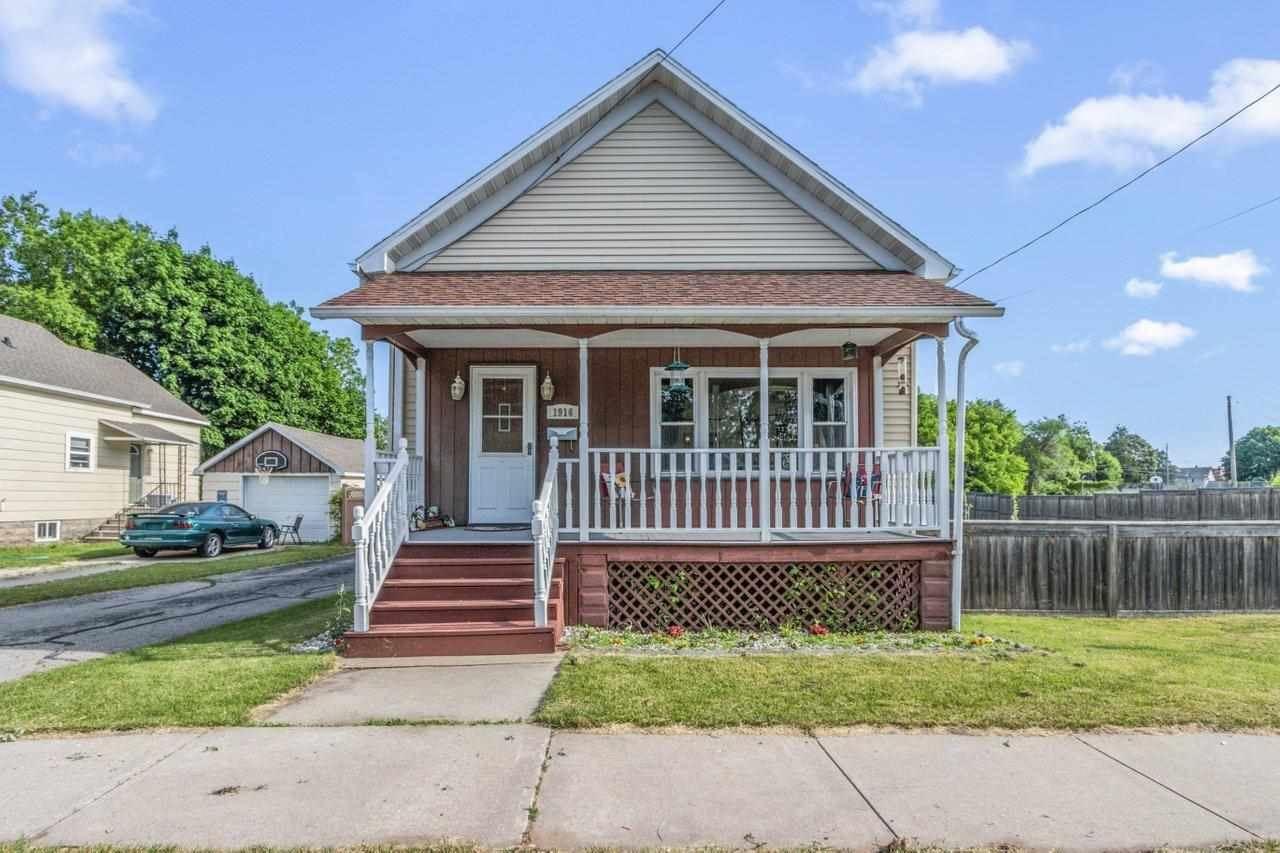 1916 LEWIS Street, Marinette, WI 54143 - MLS#: 50241846