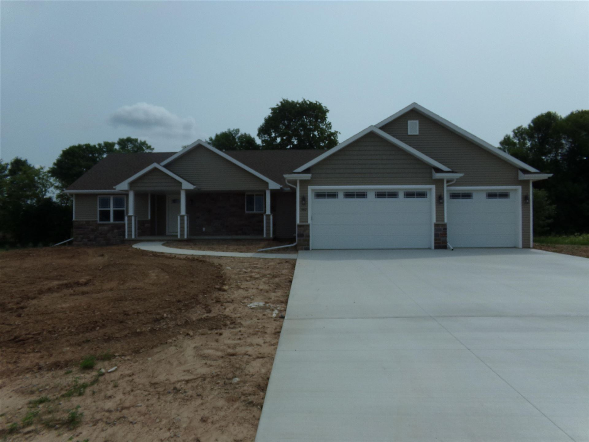 Photo of 3359 E RUBY RED Drive, APPLETON, WI 54913 (MLS # 50247853)