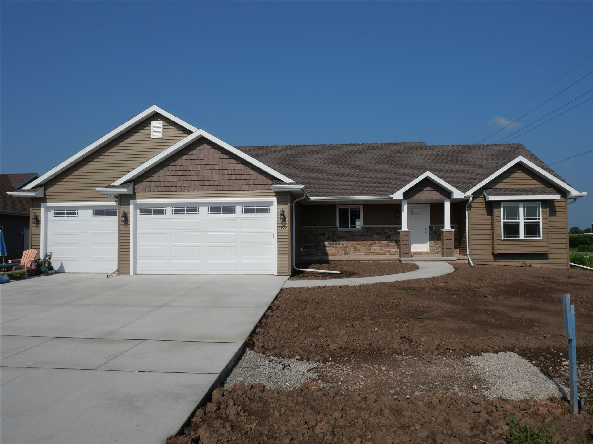 Photo of 3337 E RUBY RED Drive, APPLETON, WI 54913 (MLS # 50247856)
