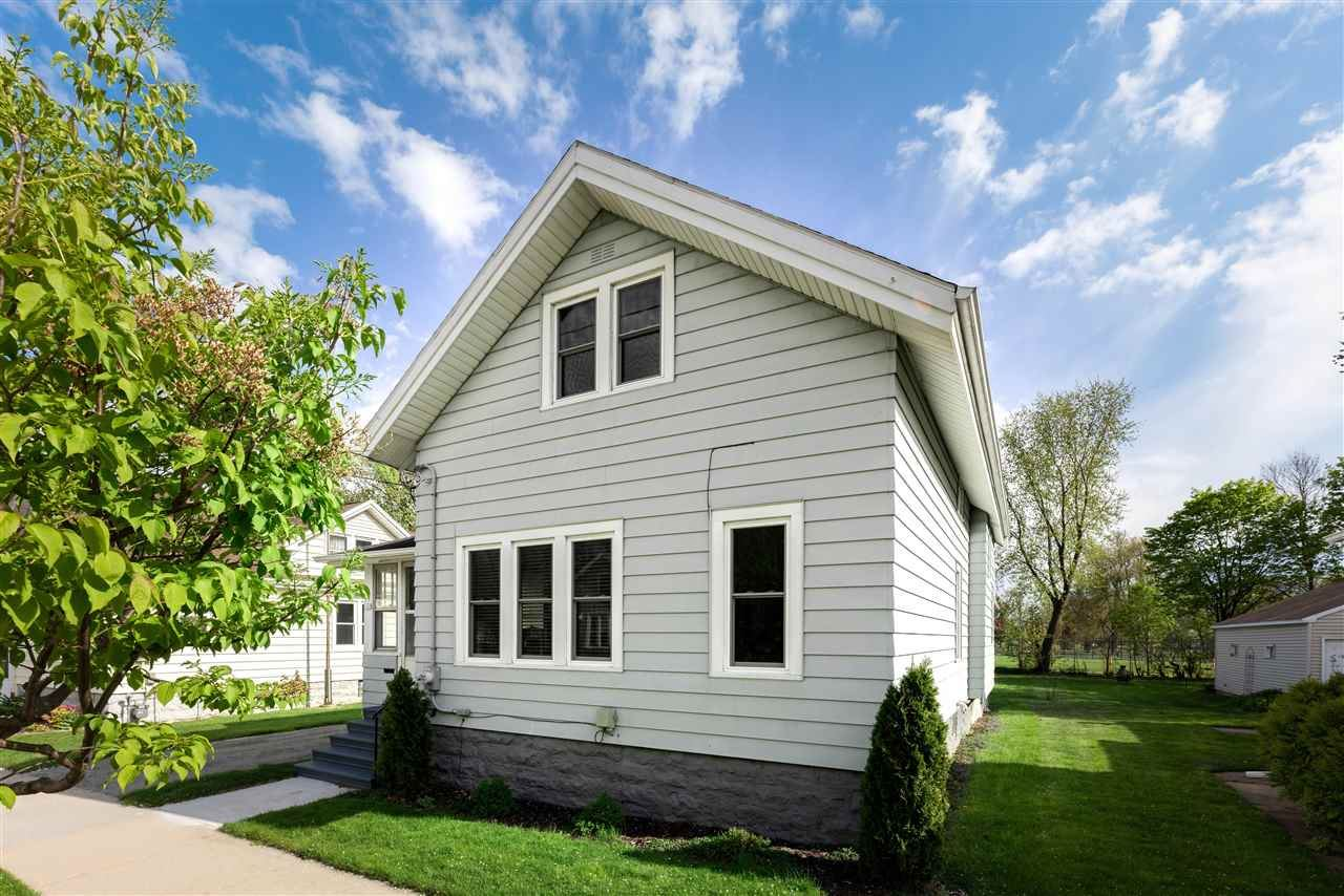 661 W 11TH Street, Oshkosh, WI 54902 - MLS#: 50239857