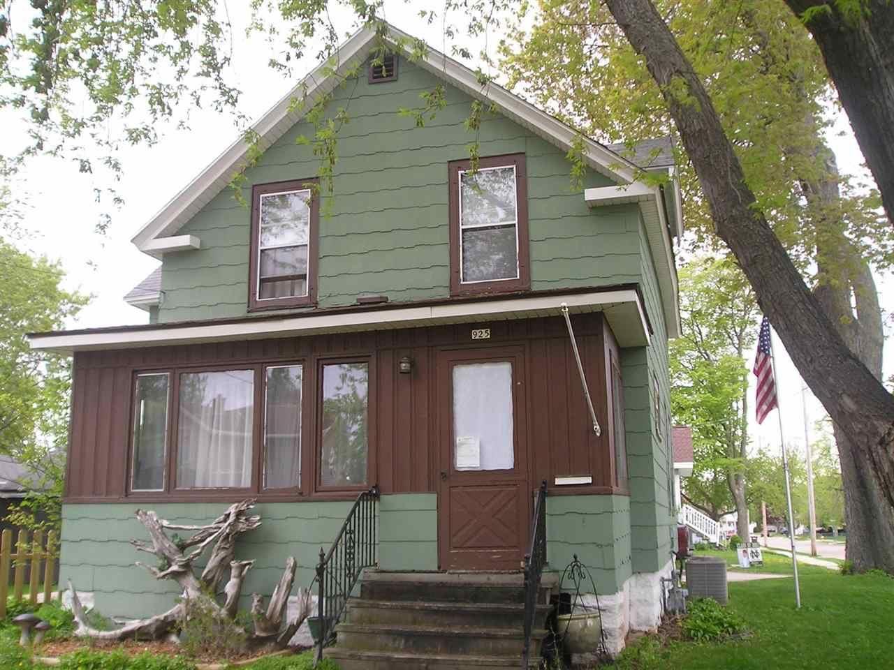 925 CENTRAL Street, Oshkosh, WI 54901 - MLS#: 50239865