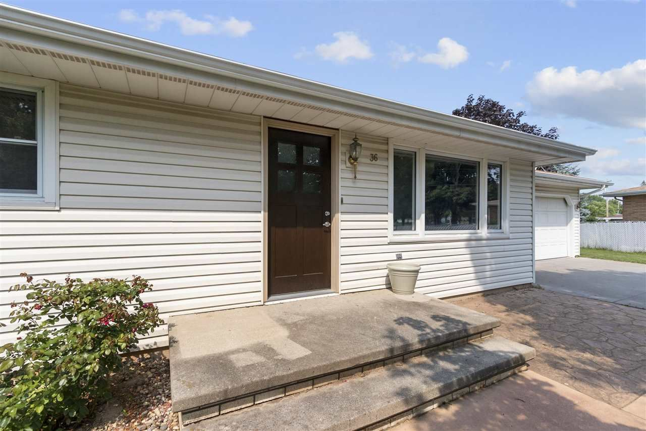 Photo of 36 TRACY Court, APPLETON, WI 54915 (MLS # 50244865)