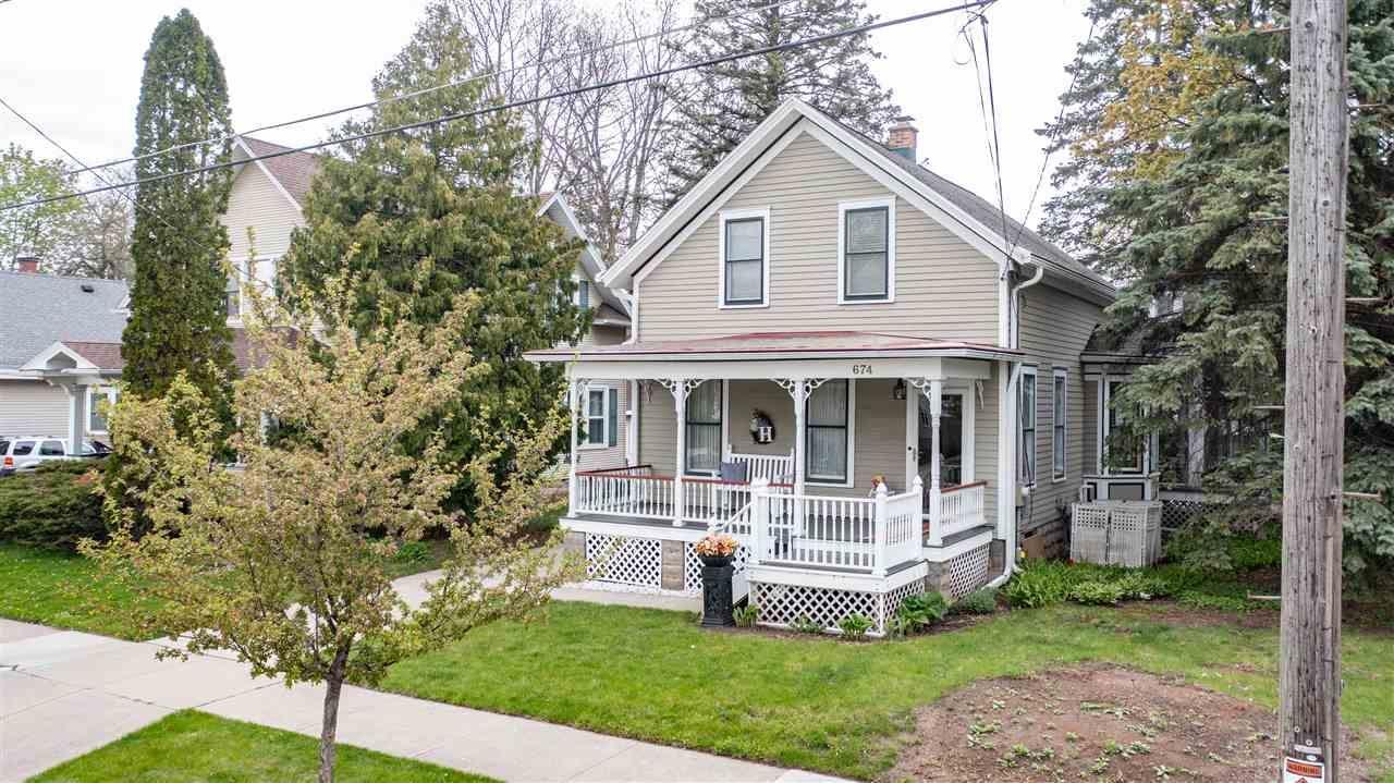 674 EVANS Street, Oshkosh, WI 54901 - MLS#: 50239869