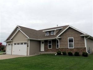 Photo of 1559 KINGSWOOD Drive, NEENAH, WI 54956 (MLS # 50212871)
