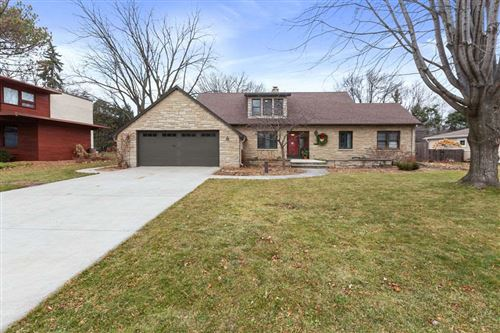 Photo of 730 CONGRESS Place, NEENAH, WI 54956 (MLS # 50233898)