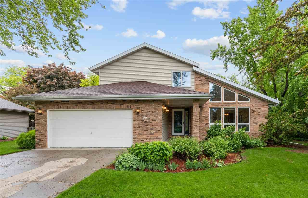 Photo for 42 SPRINGBROOK CERCLE Drive, APPLETON, WI 54914 (MLS # 50222907)