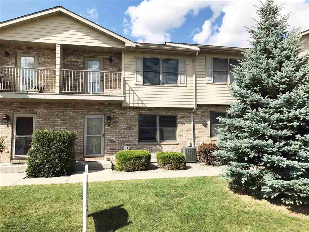 Photo for 1690 DRUM CORPS Drive #M, APPLETON, WI 54952 (MLS # 50208915)