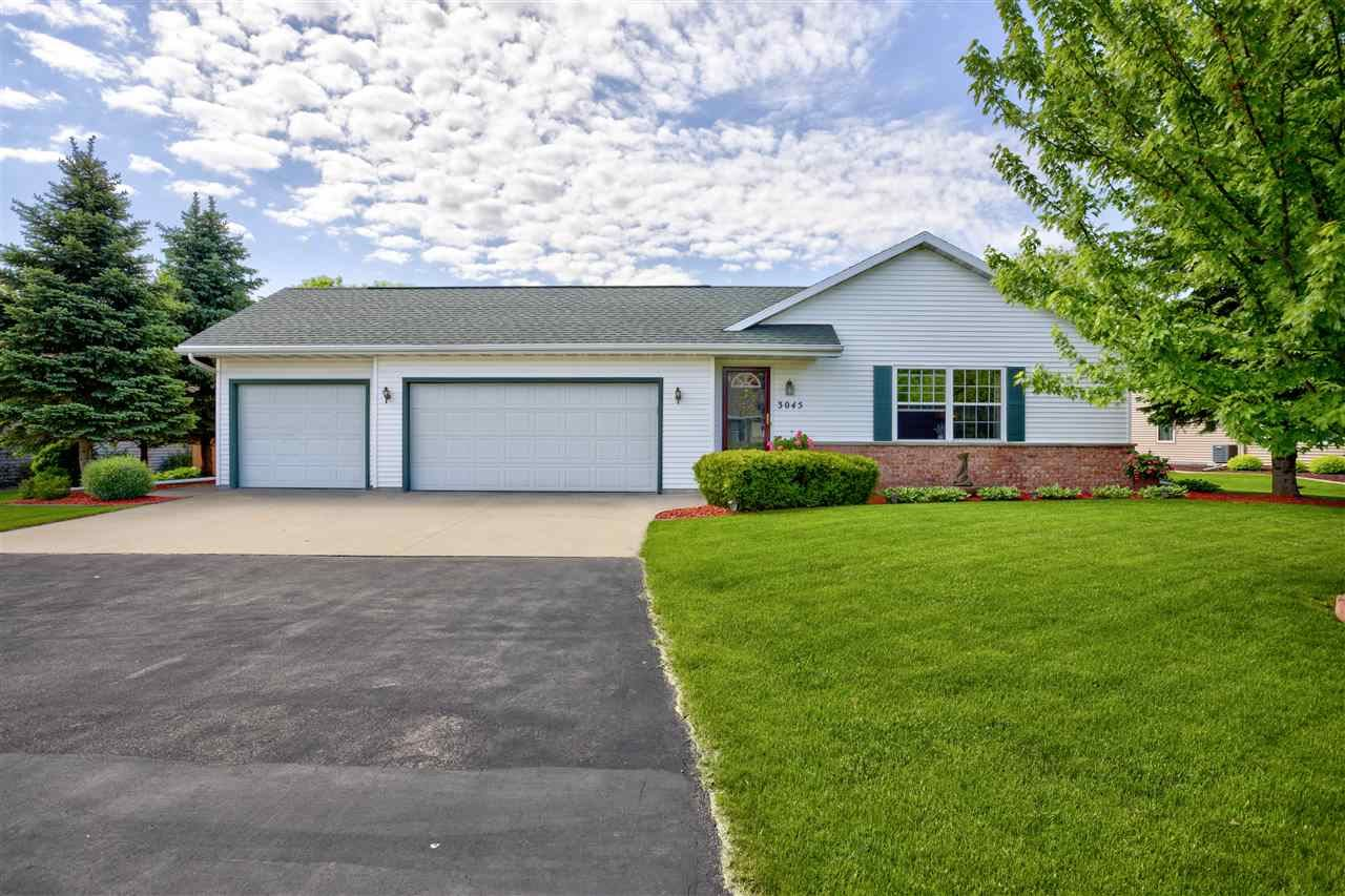 Photo for W3045 JUST ABOUT Lane, APPLETON, WI 54915 (MLS # 50222916)