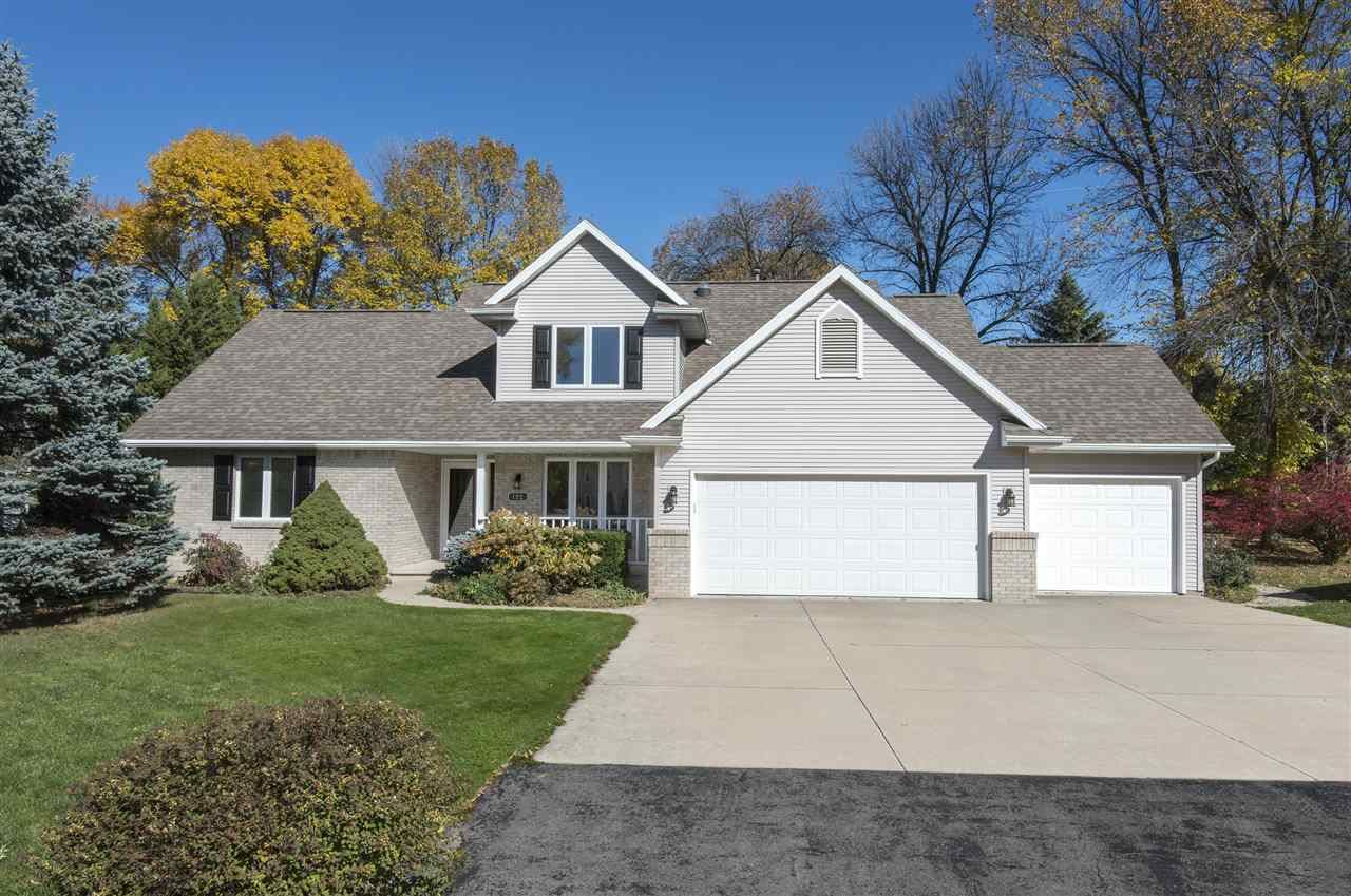 Photo for 192 RIVER ISLAND Court, APPLETON, WI 54914 (MLS # 50230921)