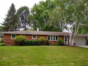 Photo of 742 E BRIAR Lane, GREEN BAY, WI 54301 (MLS # 50206928)