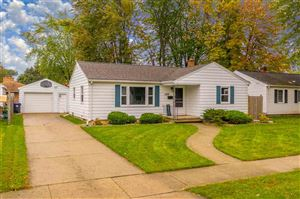 Photo of 1506 HENRY Street, NEENAH, WI 54956 (MLS # 50212931)