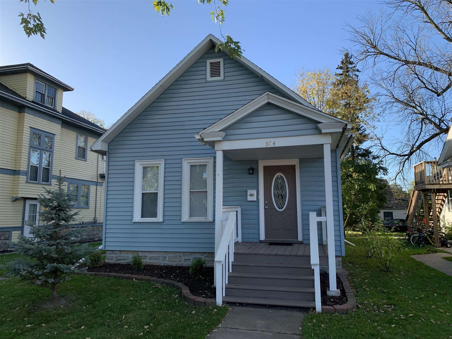 304 S MAPLE Avenue, Green Bay, WI 54303 - MLS#: 50249936