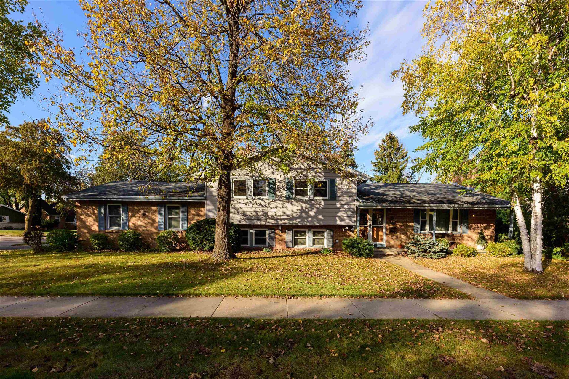 1642 W 5TH Avenue, Oshkosh, WI 54902 - MLS#: 50249937