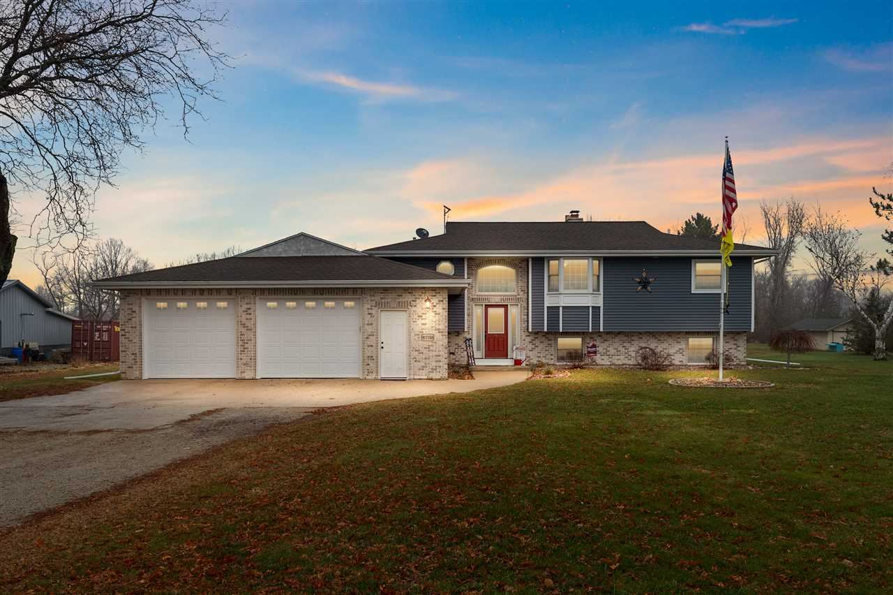 W7758 W HILLVIEW Road, Hortonville, WI 54944 - MLS#: 50232947