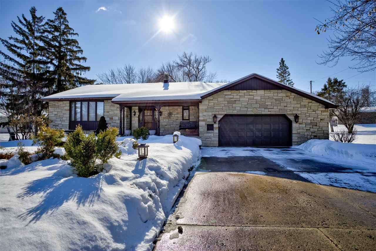 825 W KIMBERLY Avenue, Kimberly, WI 54136 - MLS#: 50235950