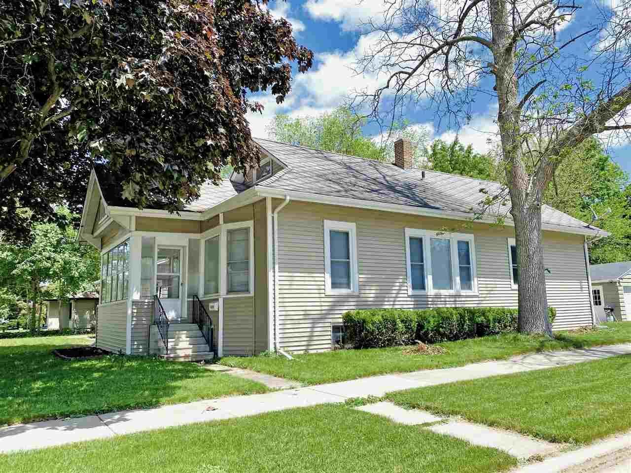1000 GRAND Street, Oshkosh, WI 54901 - MLS#: 50240952
