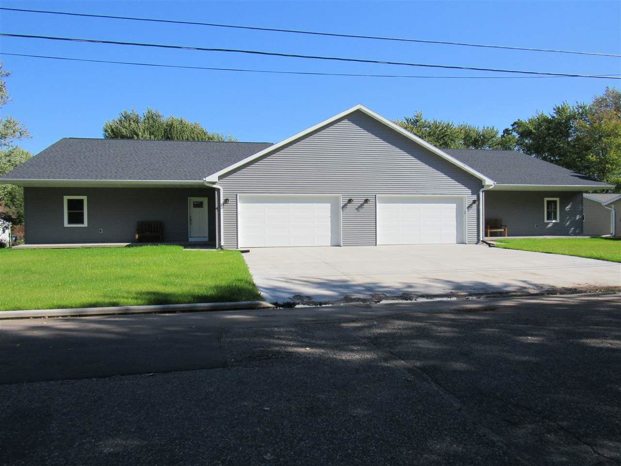 206 S WASHINGTON Street, Berlin, WI 54923 - MLS#: 50212956