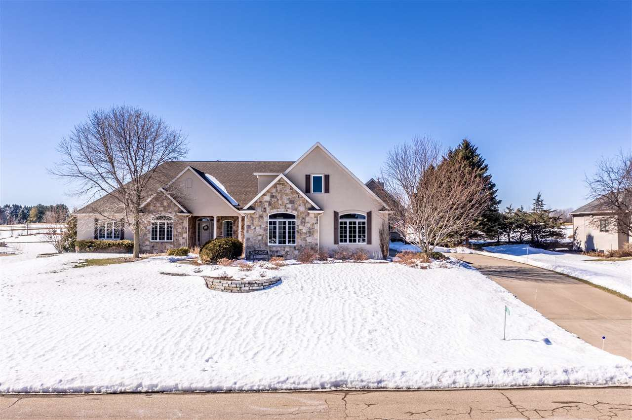 8203 GOLF COURSE Drive, Neenah, WI 54956 - MLS#: 50235960