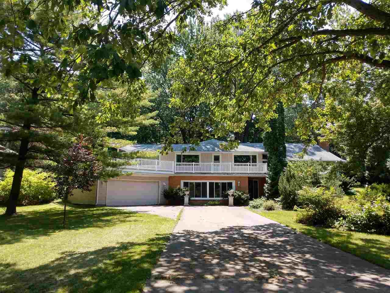 Photo for 1343 PALISADES Drive, APPLETON, WI 54915 (MLS # 50243963)